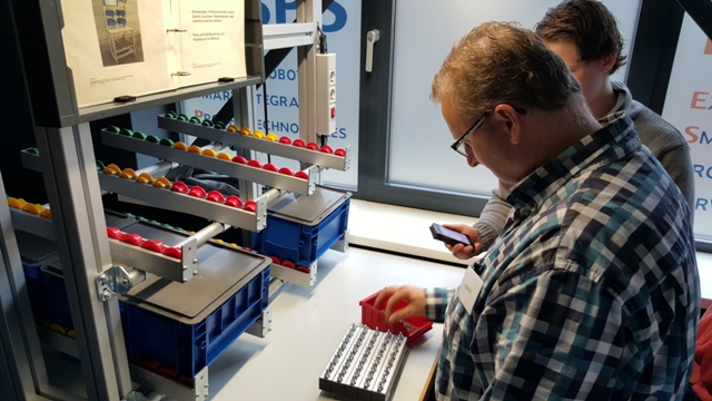 Hands-on ervaring opdoen tijdens workshop Bosch Rexroth in het Robotics Experience Center