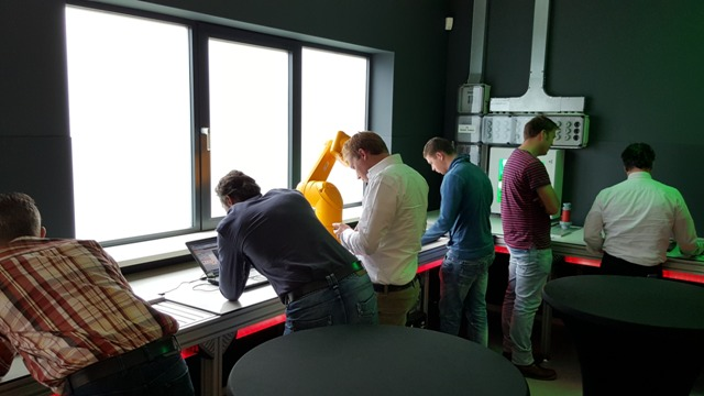 Hands-on opdrachten tijdens Workshop Bosch Rexroth in het REC